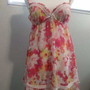 Bright floral chemise with matching thong panties